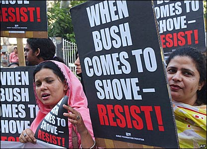 Anti-Bush protests in Karachi, Pakistan
