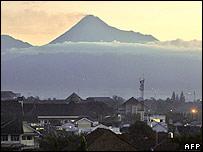 Merapi towering over the town of Yogyakarta