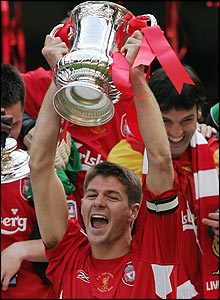 Steven Gerrard lifts the FA Cup