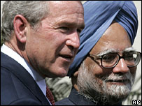 George W Bush with Manmohan Singh