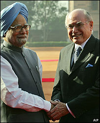 Manmohan Singh and John Howard in Delhi