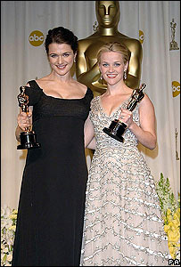 Rachel Weisz (left) and Reese Witherspoon with Oscars
