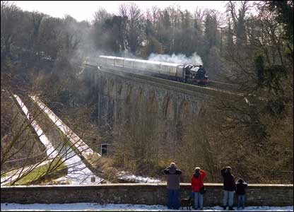 The steam locomotive 5690 Leander crossing Chirk Viaduct (Mark Riley)