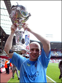 Stuart Thurgood with the FA Trophy