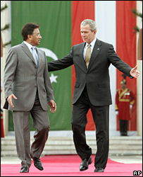 Pervez Musharraf and George Bush