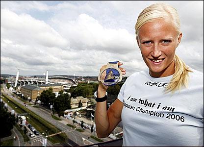Carolina Kluft displays Gold Medal