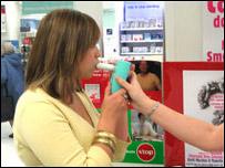 Charlotte Church doing carbon monoxide test