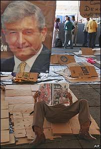 Seguidores de López Obrador en el Zócalo.