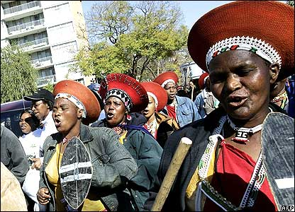 Women dressed in traditional Zulu clothes at Pretoria march 09 Aug