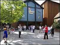 El 'Courtyard Theatre' en Stratford-upon-Avon