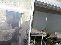 Journalists at a Baghdad morgue