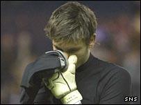 Hearts goalkeeper Craig Gordon is in despair at the end