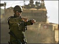 Israeli troops near the Lebanese border
