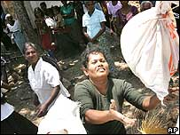 Civilians displaced by Sri Lanka fighting