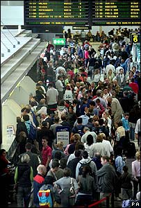 Queues at Dublin Airport on 10 August