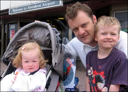 Gregor Tait with his children