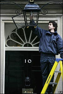 Lightbulb being changed at Number 10 Downing Street