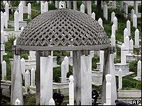 Izetbegovic grave at Kovaci Cemetery in Sarajevo, 11 Aug 06