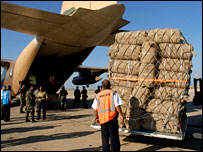 Supplies flown from Amman arrive in Beirut (picture by Jenny Matthews of Panos Agency for UNHCR, 10 August 2006)