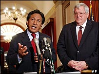Peruvian President Alejandro Toledo, left, and House Speaker Dennis Haseter, R-Ill., talks to reporters on Capitol Hill