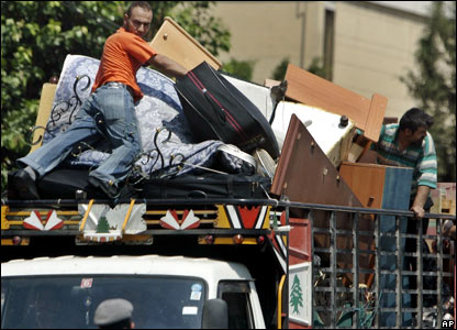 Residents of southern Beirut move out on 11 August