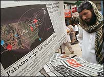 Pakistani newspapers with details of Britain's terror plot arrests on sale in Karachi