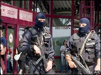 Anti-terrorist police at Warsaw airport