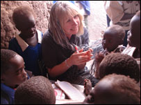Wendy Packer teaching some Sudanese students. (Picture: Education Action)