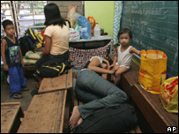Evacuation centre in Albay - 8 August 2006