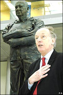 MP Dr Ian Gibson with the statue of Sir Winston Churchill