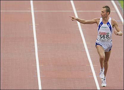 Olympic champion Stefano Baldini wins the men's marathon