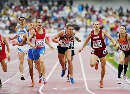 Britain's Sam Ellis squeezes through to take bronze behind Bram Som and David Fiegen