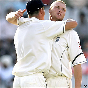 Kevin Pietersen congratulates Flintoff as Tendulkar goes for just four runs