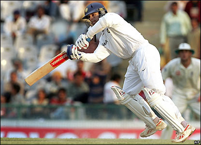 Rahul Dravid prods a single as he looks to anchor India's innings