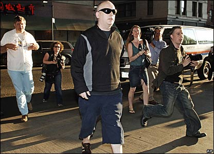 Boy George arrives to perform his community service in New York