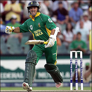 Mark Boucher moves to 50 not out off the last ball of the match