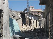 لم نتمكن من ان نحصي بيتا واحدا داخل المدينة لم يطله القصف - تصوير بشير الخوري
