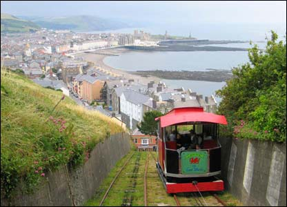 Matthew Robins sent this shot of the train going up Constitution Hill in Aberystwyth
