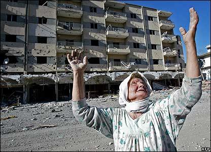Surviving woman in Bint Jbeil - 14 August 2006