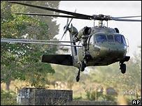 Helicóptero militar colombiano