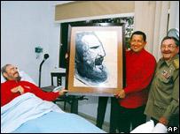 Ra�l Castro apareci� junto a su hermano y el mandatario venezolano en las �ltimas fotos del presidente  cubano