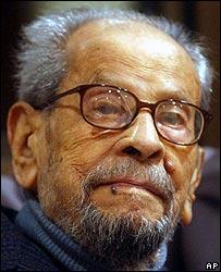 Naguib Mahfouz in 2004