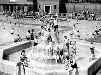 London Fields Lido in its heyday