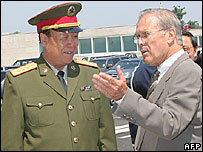China's Guo Boxiong and Donald Rumsfeld of the US, 16/7/06