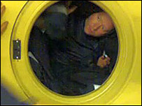 Andy Bruce in tumble dryer, picture courtesy of the Manchester Evening News