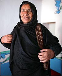 Bibi Ayesha, Kaftar