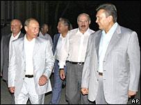 Russian President Vladimir Putin,  Belarusian President Alexander Lukashenko and Ukraine's Prime Minister Viktor Yanukovych