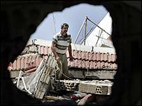 Displaced Lebanese man Noun Haidous returns to rubble of his house in Tyre - 16 August 2006