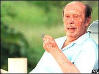 Alfredo Stroessner (2001 file picture)