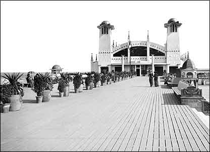 Wellington Pier, Great Yarmouth � English Heritage
